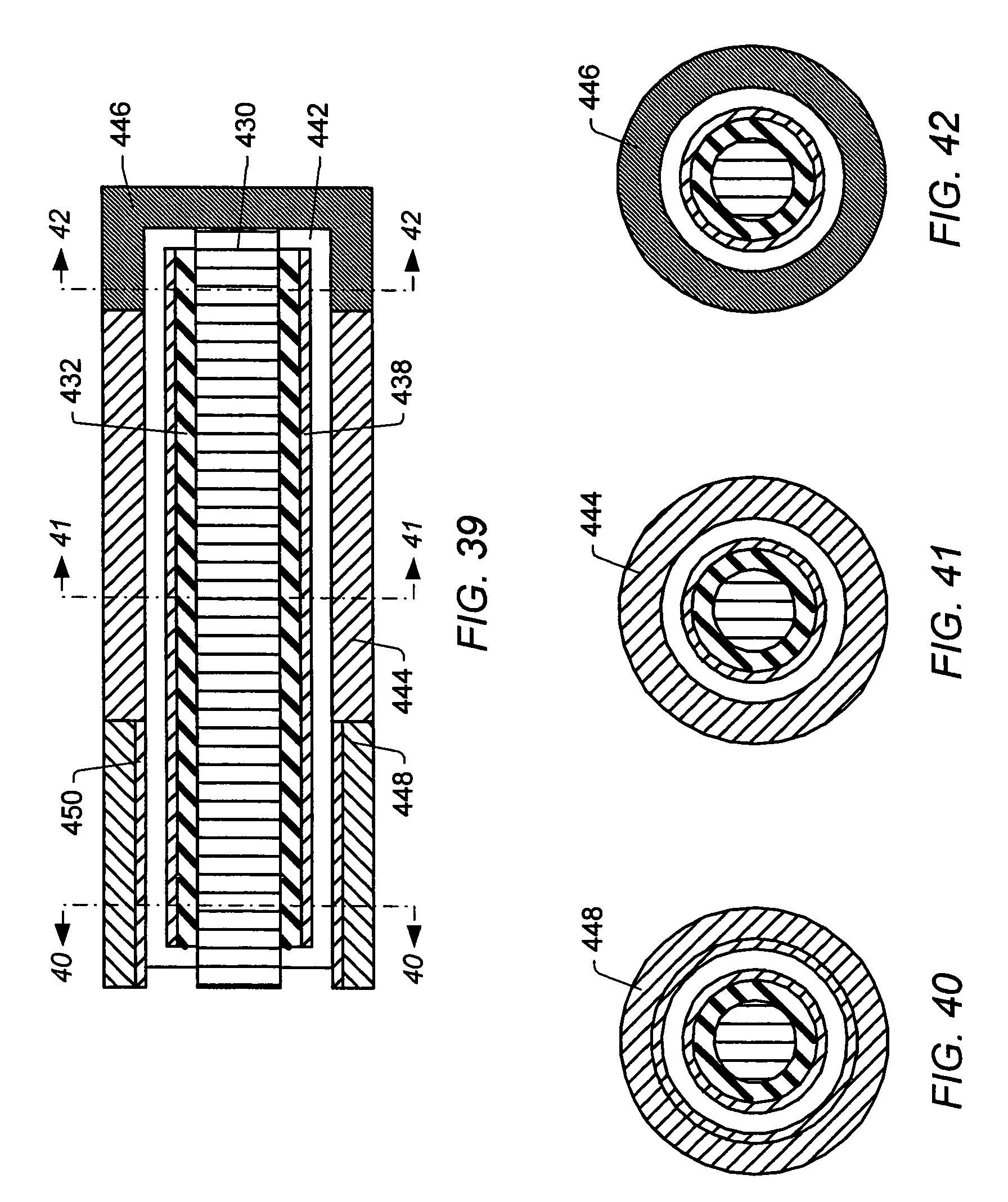 Patent US 8,355,623 B2
